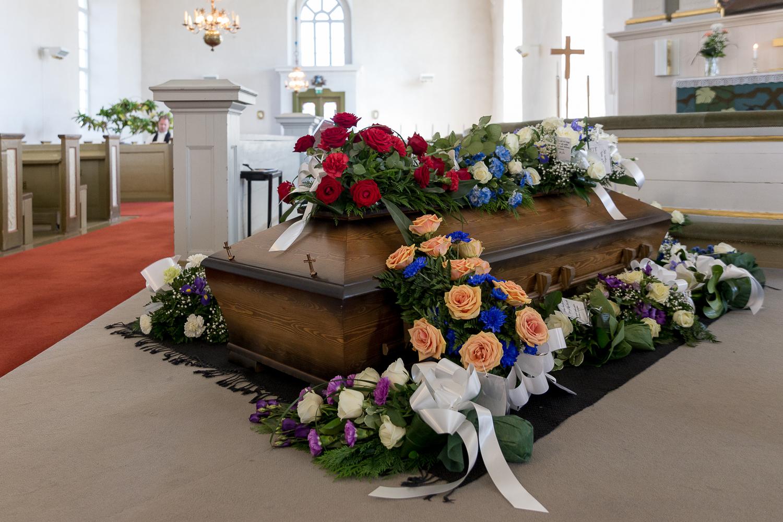 Kuvavuorinen_hautajaiskuvia_15