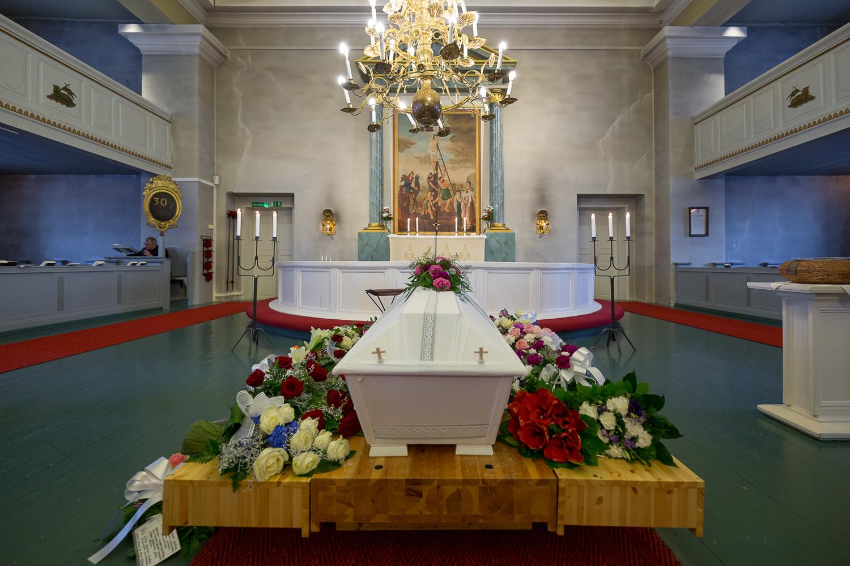 Kuvavuorinen_hautajaiskuvia_7